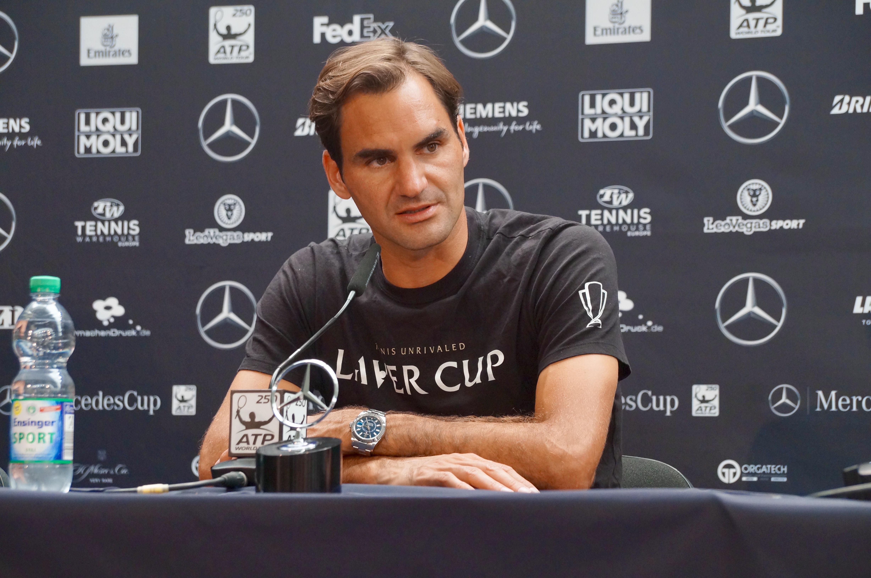 Roger Federer nach seinem Sieg bei der Pressekonferenz.