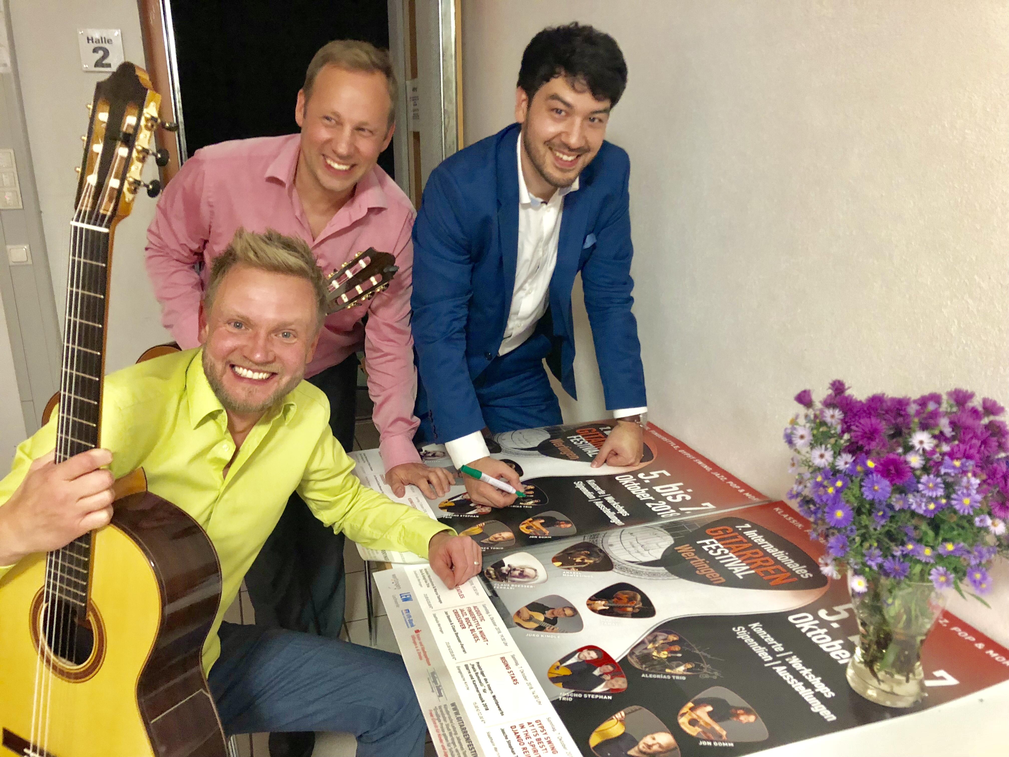 Das Trio (v.l.): Dimitri Lavrentiev (sitzend), Klaus Wladar und Takeo Sato genossen den Auftritt in Wertingen.