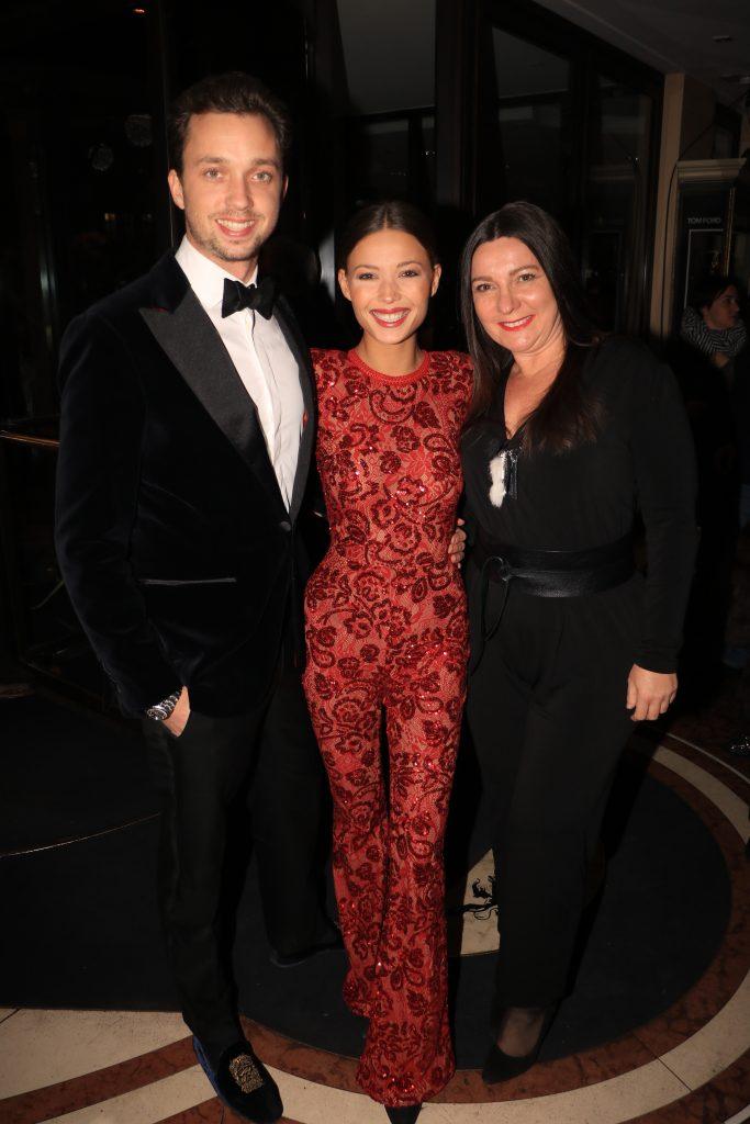 Mit Schauspielerin Lena Meckel und Freund